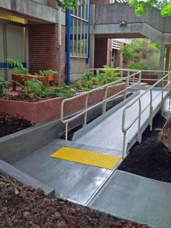 ARAS Modular Ramps with concrete wall